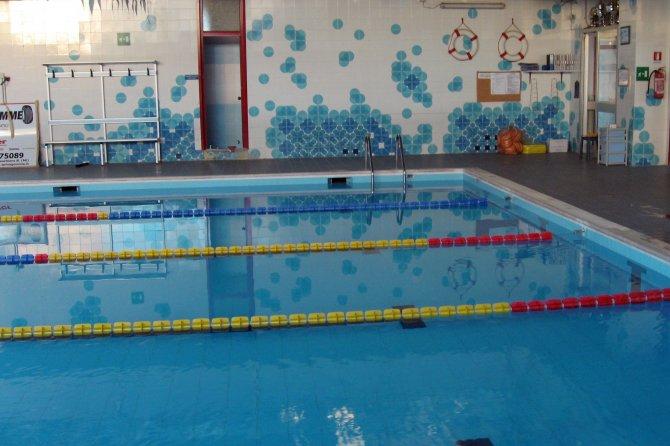 Immagine 16 18 la piscina - Piscina peschiera borromeo ...